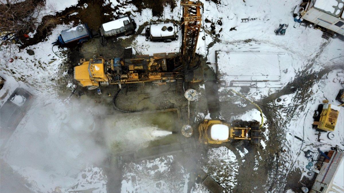 Muş'ta 860 metre derinlikte jeotermal su kaynağına ulaşıldı
