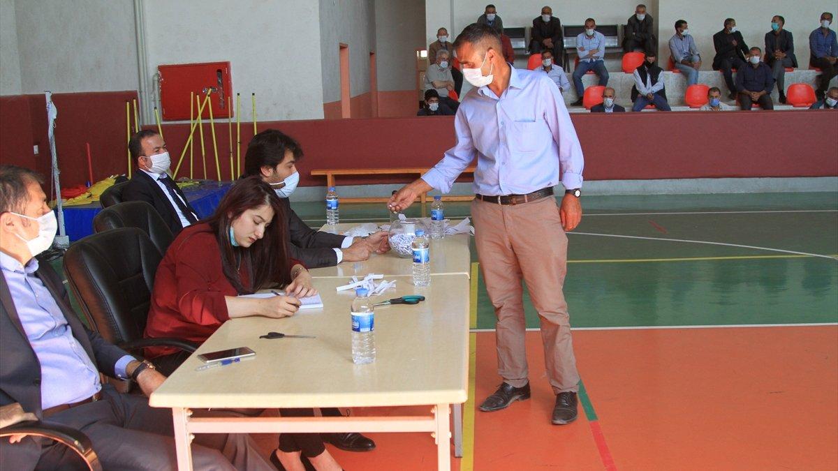 Özalp'ta 85 kişilik temizlik ve güvenlik görevlisi alımı için kura çekimi yapıldı