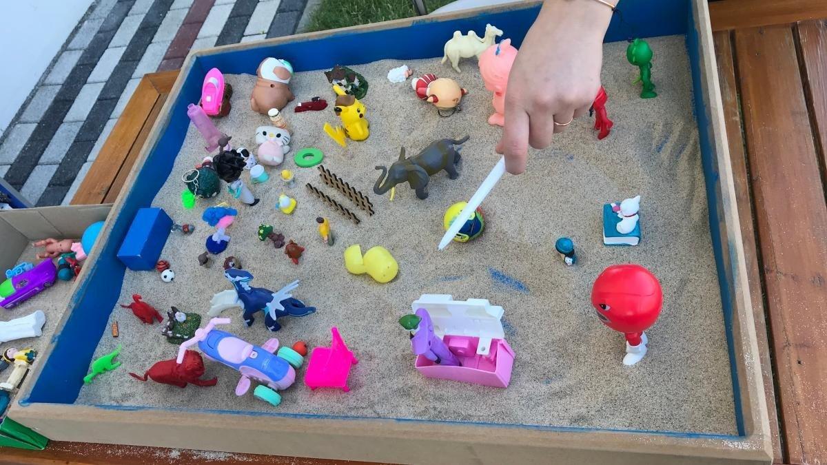 Özel gereksinimli çocuklara kum terapisi - Malatya Haberleri