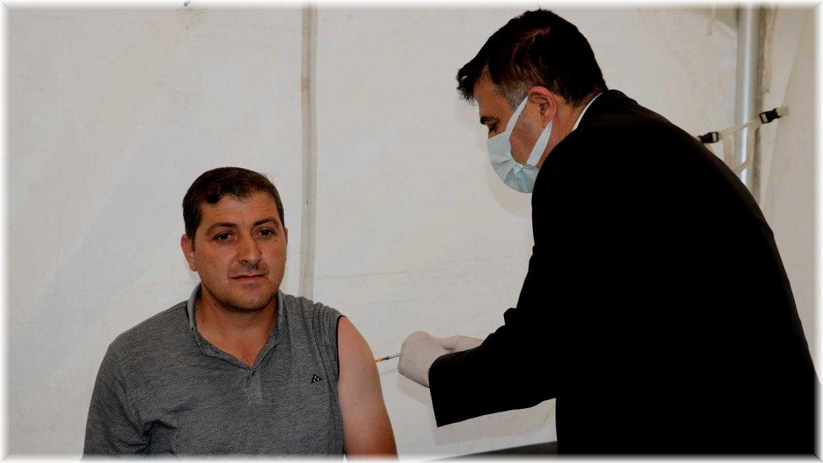 (Özel) Van'da ikinci ve üçüncü doz aşı seferberliği