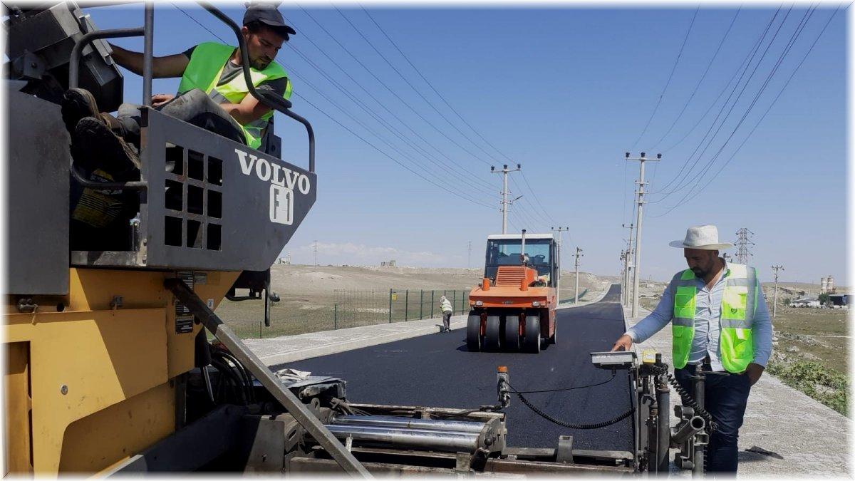 Sanayi Sitesi yıllar sonra asfalt yola kavuştu