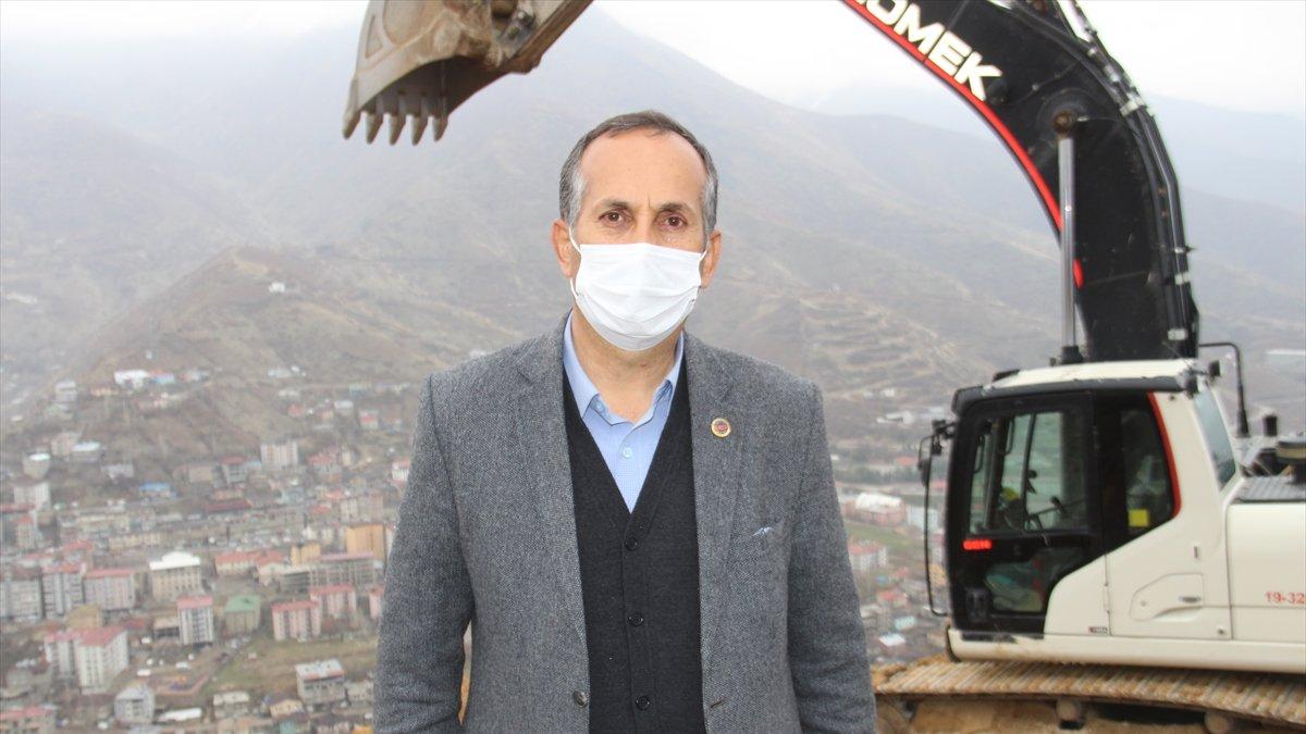 """Şemdinli'de """"Seyir Tepesi Projesi"""" çalışmaları"""