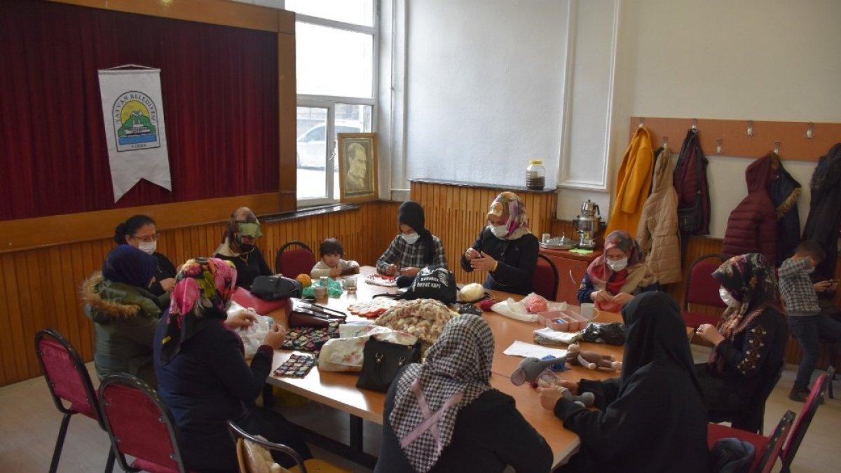 Tatvan Belediyesinin kurslarıyla kadınlar ev ekonomilerine katkıda bulunuyor