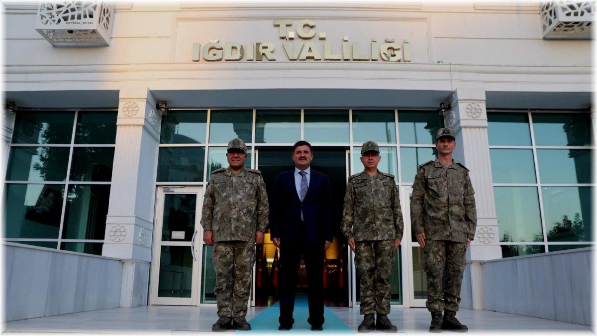 Tuğgeneral Özbakır Vali Sarıibrahimi ziyaret etti