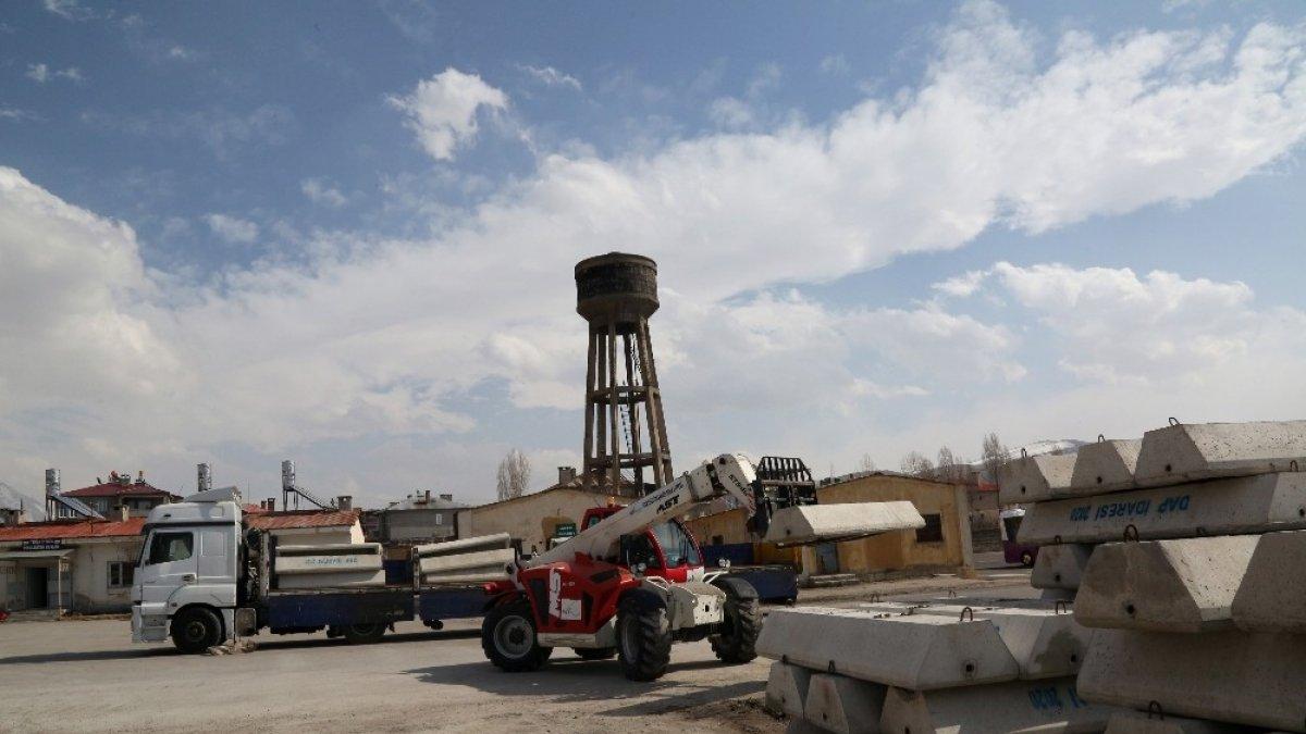Van Büyükşehir Belediyesi 2 bin 500 hayvan içme suyu sıvatı kuracak
