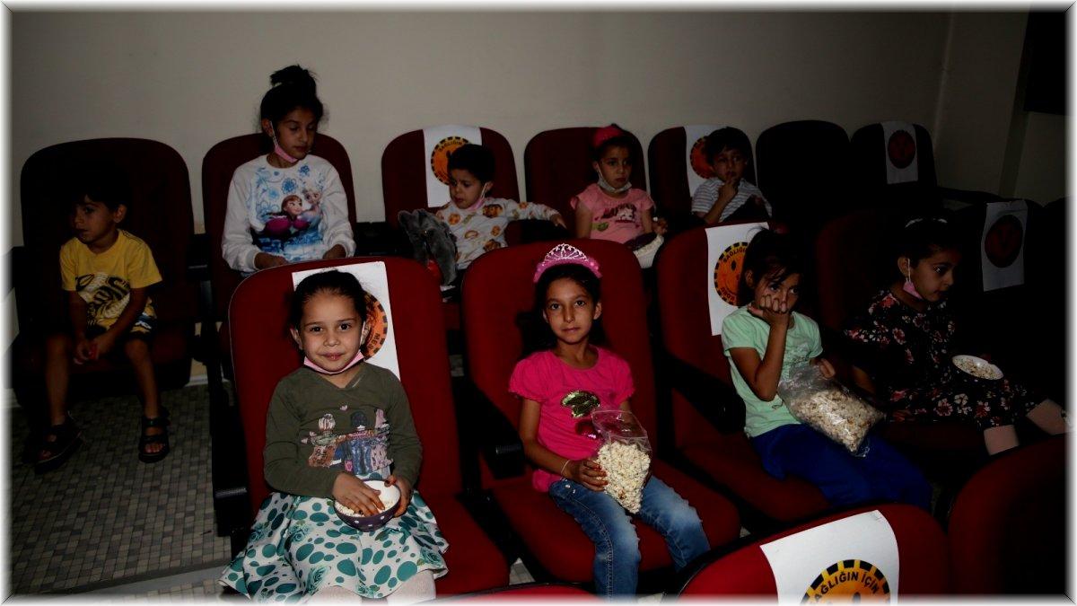Van Büyükşehir Belediyesi'nin sinema günleri başladı