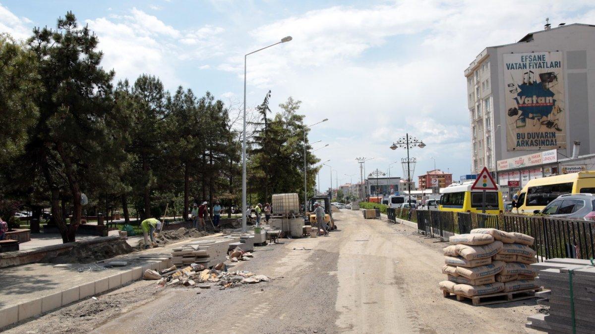 Van Büyükşehir Belediyesinden cadde yenileme çalışması