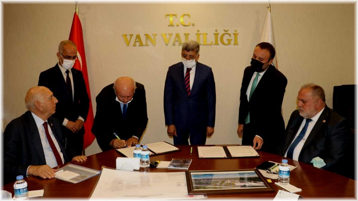 Van'da 'Orta Ölçekli Küçük Sanayi Sitesi'nin satış sözleşmesi imzalandı