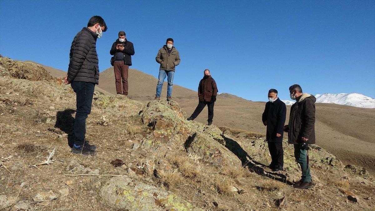 Van'da Urartular dönemine ait kayalara oyulmuş tekerlek kalıpları bulundu