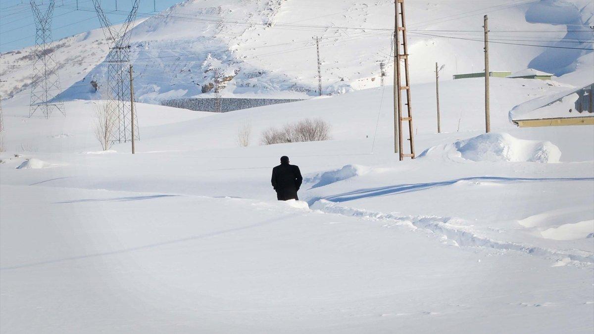 Van, Muş, Bitlis ve Hakkari'de 287 yerleşim birimine ulaşım sağlanamıyor