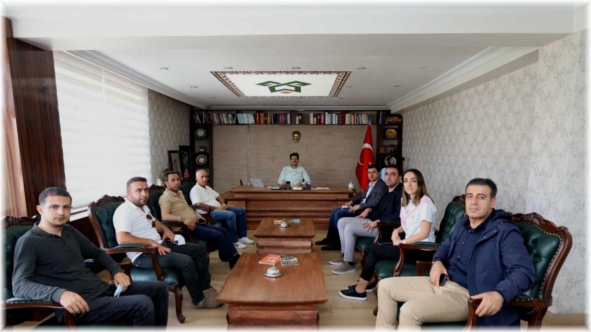 Vanlı iş adamlarından Çukurca'ya ziyaret