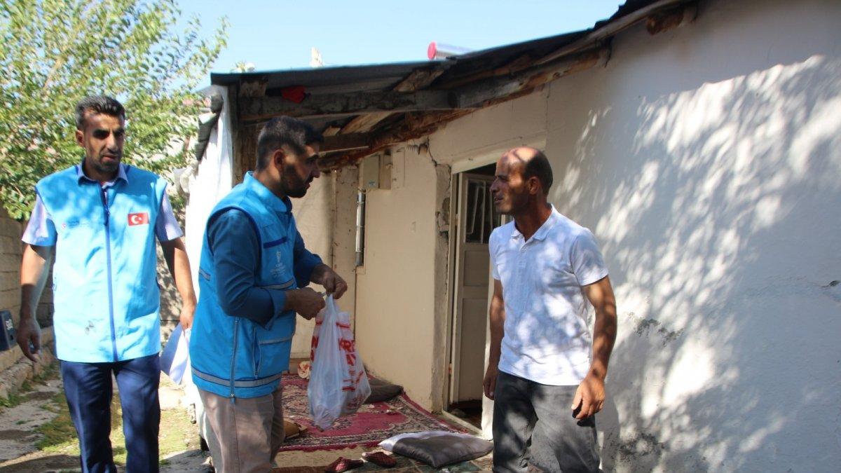 Varto'da ihtiyaç sahibi 160 aileye kurban eti