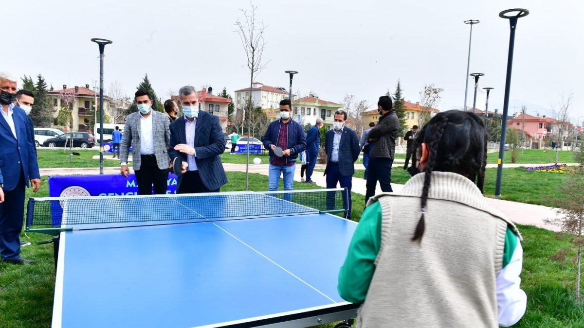 Yeşilyurt Belediyesi, masa tenisi etkinliği düzenledi