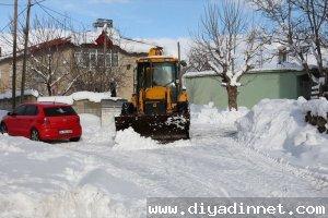 Tatvan'da karla mücadele çalışması