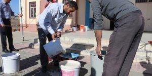 Gönüllü eğitim neferleri köy okullarını güzelleştiriyor