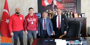 Ağrılı Boksör Ferhat İncekaya Boks'ta Gümüş Madalya kazandı