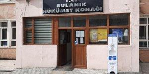 Bulanık'ta el dezenfektan istasyonları kuruldu