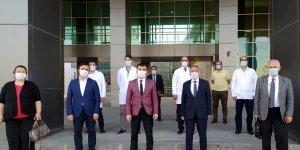 AİÇÜ Rektörü Karabulut, Devlet Hastanesini ziyaret etti