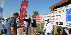 Tuşba Belediyesinden sağlık çalışanları ve hasta yakınlarına çorba ikramı