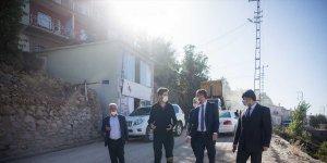 Bitlis'te 12 kilometre yol sıcak asfaltla kaplandı
