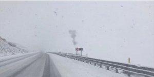 Ardahan'ın yüksek kesimlerine mevsimin ilk karı yağdı
