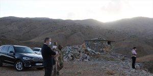 Hizan Kaymakamı Yelek'ten güvenlik korucularına moral ziyareti