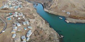 Ağrı'da Yazıcı Barajı ve çevresindeki derelerde sonbahar güzelliği