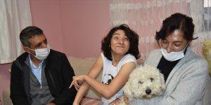 Karslı serebral palsi hastası Selin Aksoy, Atatürk sevgisini yazdığı şiirle anlattı