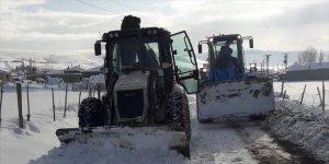 Saray'da karla mücadele çalışmaları