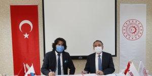 AİÇÜ Rektörü Prof. Dr. KARABULUT ile SERKA Genel Sekreteri Dr. TAŞDEMİR Protokol İmzaladı