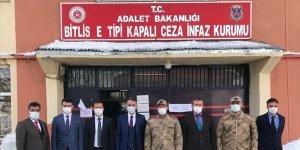 Bitlis Valisi Çağatay, E tipi Ceza İnfaz Kurumu'nu ziyaret etti