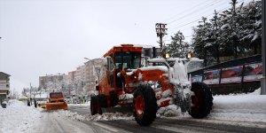 Van, Muş, Bitlis, Hakkari'de 729 yerleşim birimine ulaşım sağlanamıyor