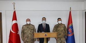 Bitlis Valisi Çağatay Jandarma Komando Tabur Komutanlığını ziyaret etti