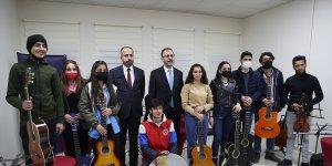 Gençlik ve Spor Bakanı Kasapoğlu, Van'daki Genç Ofisi'nin açılışına katıldı