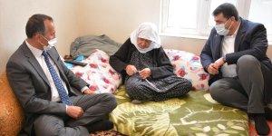 Şemdinli Belediye Başkanı Saklı'dan şehit ailelerine ziyaret
