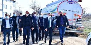 Başkan Çınar, Dilek Mahallesi'ndeki yol çalışmalarını inceledi
