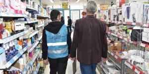 Kars'ta tam kapanma sürecinde zincir marketlerdeki bazı ürünlerin satışı yasaklandı