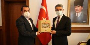 Vali Baruş, AA Gaziantep Bölge Müdürlüğü Başmuhabiri Ramazan Ercan'ı kabul etti