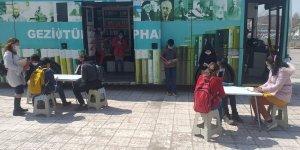 Ağrı'da köy çocukları gezici kütüphane ile buluşturuldu