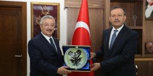 AK Parti İzmir Milletvekili Nasır, BEÜ Rektörü Prof. Dr. Elmastaş'ı ziyaret etti