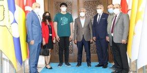 Başkan Güder dünya birincisi Balaban'ı ağırladı
