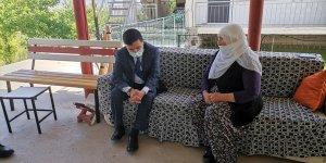 Baskil Kaymakamı Yılmaz, şehit ailelerini ziyaret etti