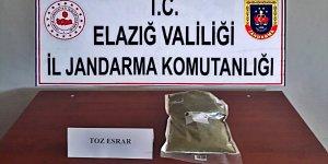 Elazığ'da arazide uyuşturucu saklayan kişi suçüstü yakalandı