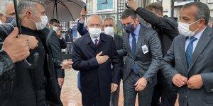 CHP Genel Başkanı Kılıçdaroğlu, eski Devlet Bakanı Erhan'ın Ağrı'daki cenaze törenine katıldı