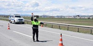 Kars'ta 'tam kapanma'da bugüne kadar 185 kişiye ceza kesildi