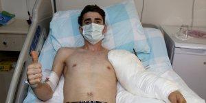 Vanlı gencin trafik kazası sonucu kopan kolu doktorların zamana karşı yarışıyla yerine dikildi