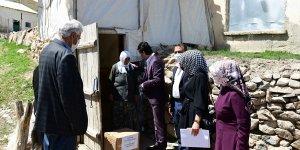 Çatak Belediyesi 1500 yardım kolisi dağıttı
