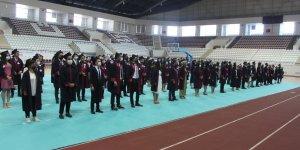 Elazığ'da 155 doktor adayı kep attı