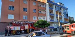 Elazığ'da apartman dairesinde çıkan yangın hasara yol açtı