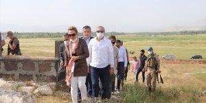 Kültür ve Turizm Bakan Yardımcısı Yavuz, Erciş'te incelemelerde bulundu